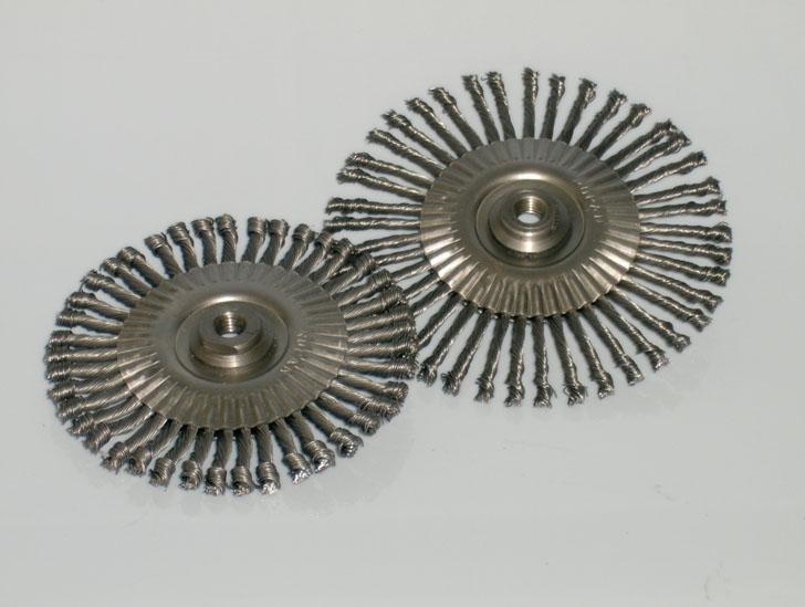 Escovas Rotativas Trançadas com Rosca M14 e 5/8